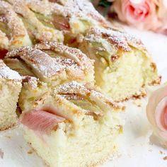 Sezon rabarbarowy w pełni ❤️ Jedni go uwielbiają! Inni wręcz przeciwnie! Ja zdecydowanie należę do tych pierwszych ❤️ . Dziś przypominam Wam #przepis na pyszne ucierane ciacho z rabarbarem, które zawsze się udaje! Zapomnijcie o zakalacu! 🙈🙈🙈 . Przygotujcie : * mąka pszenna – 2,5 szkl * jajko L – 2 szt * olej roślinny – 0,5 szkl * cukier – 3/4 szkl * proszek do pieczenia – 2 łyżeczki * jogurt naturalny – 300 g * rabarbar + cukier do posypania . I bierzemy się do roboty! ❤️❤️❤️ . #... Muffin Recipes, Cookie Recipes, Polish Recipes, I Want To Eat, Vanilla Cake, Camembert Cheese, Cheesecake, Food And Drink, Sweets