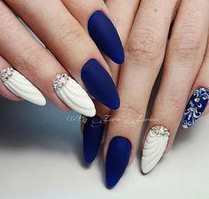 Kék-fehér Sellős körmök