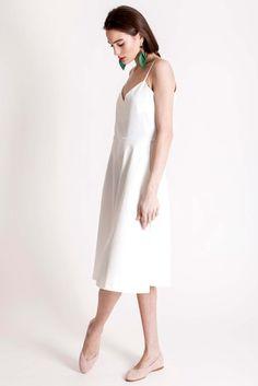 White jumpsuit by designer brand Dott. - Sustainable and slow fashion White Short Jumpsuit, Cotton Jumpsuit, Cotton Style, Piece Of Clothing, Slow Fashion, Branding Design, Feminine, Spring Summer, Brand Design