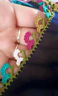 125 Grain Crochet Laces Writing Edges The Best Lace All Beautiful Each Other . Embroidery On Clothes, Hand Embroidery, Saree Tassels, Knit Shoes, Sunflower Tattoo Design, Quilt Stitching, Needle Lace, Blouse Patterns, Free Sewing