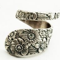 love this bracalet.   it is a ring....i have one...