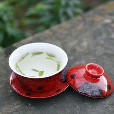 Red Lanteng Porcelain Gaiwan   http://www.teavivre.com/red-lanteng-porcelain-gaiwan/