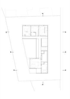 Gallery of J House / Pitsou Kedem Architects - 40