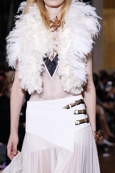 Lanvin Spring 2017 Ready-to-Wear Fashion Show Details