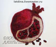 Fabric Brooch, Felt Brooch, Felt Fabric, Fabric Art, Pomegranate Art, Penny Rugs, Felt Art, Resin Jewelry, Jewellery