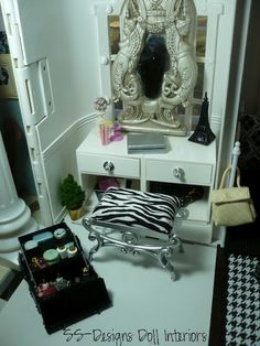 Inside the Barbie Craft Room- Takes making a barbie house to a whole new level!