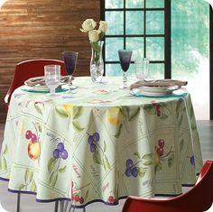 Toalha de Mesa Josie. Um lindo café da manhã para você com toalhas de mesa que encantam sua cozinha.