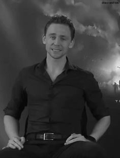 I can't help it...*gif* that lip biting is just.... Ugh... It's a killer. Tom Hiddleston <3