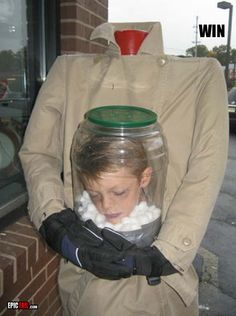 halloween-costume-win-kid-head-bottle