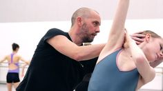 BBC Arts - Rehearsal: Behind the scenes at Scottish Ballet - Scottish Ballet prepare to perform David Dawson's acclaimed production of Swan Lake.