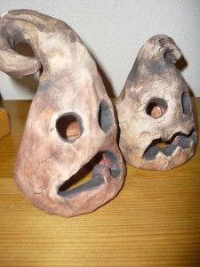 Dýňový strašák na svíčku Ceramics Ideas, Clay Art, Halloween Decorations, Skull, Decorating, Crafts, Clay, Dekoration, Decoration