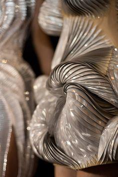 Micro Collection S/S12 // Iris Van Herpen | Afflante
