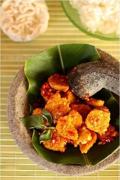 Tempe Penyet (Lightly Mashed Tempe in a Hot Chili Sambal