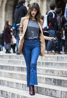 Street style da it-girl parisiense Jeanne Damas, com look perfeito para o dia-a-dia.
