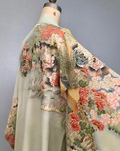 a896a0b13e R E S E R V E D 1940s silk kimono   hand-painted   FLORA AND FAUNA    vintage kimono   dressing gown