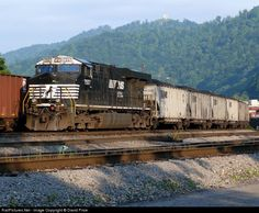 RailPictures.Net Photo: NS 7557 Norfolk Southern GE ES40DC at Williamson, West Virginia by David Price