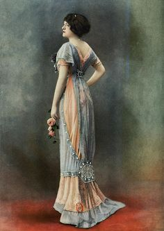 Color combo and positive negative space for inspiration. Evening gown by Bernard, photo by Félix, Les Modes May 1910.