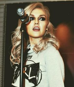 Perrie ! She's beautiful and amazingly talented ! Don't you agree ?