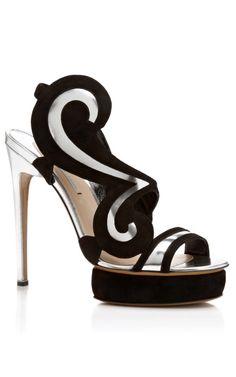 #Nicholas Kirkwood  #High Heels #2dayslook #highstyle #heelsfashion  www.2dayslook.com