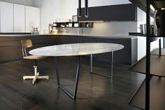 Dritto Dining Table in White Carrara Lithoverde designed by Piero Lissoni and Salvatori on Display at Boffi Solferino