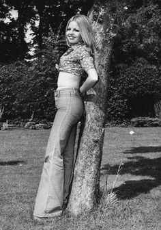 Bell Bottoms pants • Pantaloni a campana o scampanati a zampa d'elefante anni 60 70