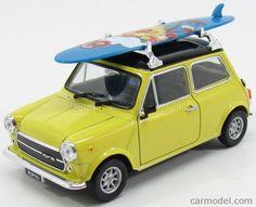 WELLY 22496SB-Y Skala: 1/24 MINI COOPER 1.3 1970 WITH SURFBOARD YELLOW