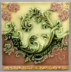 Acanthus Tile | MAJOLICA GLAZE ART NOUVEAU SCROLLING ACANTHUS TILE