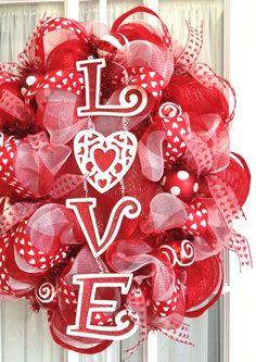 pretty Valentine's wreath