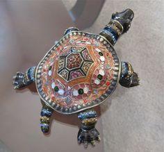 Alexander Kalifano Turtle Trinket Box covered in Swarovski Crystal Rhinestones #TrinketBox