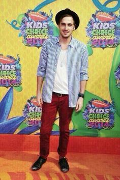 Kendall Schmidt - Big Time Rush, Hollyday Hollyway e SuperDanny em Kids Choice Awards 2014, Orange Carpet, Red Carpet, Kendall Schmidt, Best Boyfriend, Big Time Rush, Old Singers, Free Blog, Boys Who