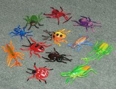 12 Plastic Spiders Party Bag Fillers Favors Toys Cake Decor Spooky Birthday VP