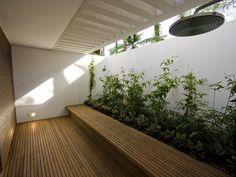indoor garden Minimalist Garden, Minimalist Interior, Design Patio, Garden Design, Outdoor Gardens, Indoor Outdoor, Easy Garden, Garden Ideas, Garden Tips