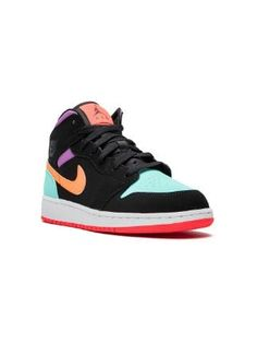 Cute Nike Shoes, Cute Nikes, Nike Air Shoes, Nike Shoes For Kids, Jordan Shoes Girls, Girls Shoes, Jordan Outfits, Kids Jordans, Air Jordans Women