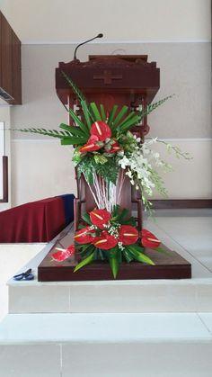 Tropical Flower Arrangements, Church Flower Arrangements, Beautiful Flower Arrangements, Tropical Flowers, Beautiful Flowers, Church Altar Decorations, Wedding Ceremony Decorations, Christmas Decorations, Deco Floral