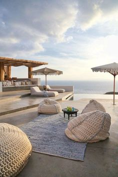The Suites Mykonos Outdoor Spaces, Outdoor Living, Outdoor Decor, Exterior Design, Interior And Exterior, Beach House Style, Myconos, Casa Patio, Diy Terrasse