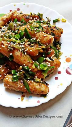 Crispy Tossed Baby Corn STarters APpetizers Indian Vegetarian Indo-Chinese Before century, foods from animal Spicy Appetizers, Indian Appetizers, Indian Snacks, Indian Vegetarian Appetizers For Party, Chinese Appetizers, Veg Recipes, Indian Food Recipes, Asian Recipes, Cooking Recipes