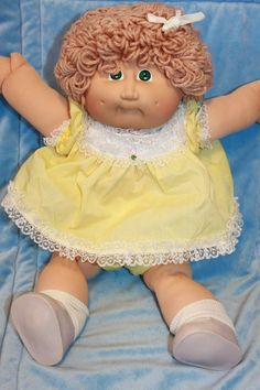 Cabbage Patch Kids Vintage Coleco 1983 Looks like the one I used to have. Loved my cabbage patch dolls.