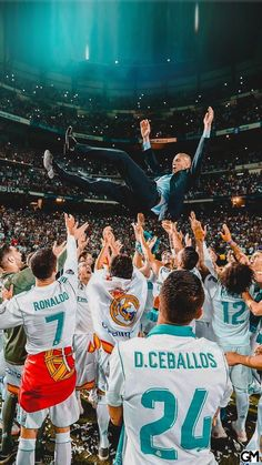 The Boss - Soccer Workouts and Drills - Diy-urlaubsorte Real Madrid Football, Ronaldo Real Madrid, Football Is Life, Logo Real Madrid, Real Madrid Club, Real Madrid Players, Cristano Ronaldo, Cristiano Ronaldo Lionel Messi, Ronaldo Football