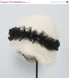 20 OFF SALE Vintage 1950's White & Black Tulle Rubber by JLVintage, $38.40