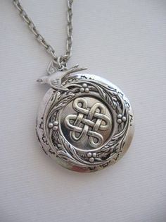 Celtic Knot LOCKETSilver LocketCeltic Knot by CharmedValley