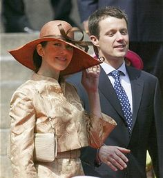 Mary Donaldson and Danish Crown Prince Frederik leave the Danish Parliament May 2004 in Copenhagen, Denmark. Mary Donaldson and Prince Frederik attended a reception at Parliament prior to their wedding, planned for this Friday. Prince Frederik Of Denmark, Danish Royalty, Danish Royal Family, Crown Princess Mary, Mary Elizabeth, Wedding Preparation, Big Love, Wedding Pictures, Black And White