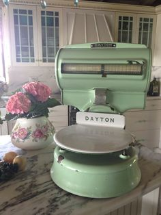 Vintage Money Weight scale! From Dayton with a lovely pale green color. Love the shape! Amazing! #LaBoutiqueVintage