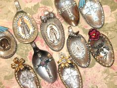 I like this idea - make pendants after using the rest of the spoon to make a ring or bracelet. For that ONE spoon I have from Mur. Jewelry Crafts, Jewelry Art, Vintage Jewelry, Handmade Jewelry, Jewelry Design, Gothic Jewelry, Metal Jewelry, Jewelry Ideas, Jewelry Necklaces