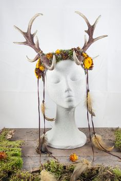 Deer antlers headpiece, fantasy headdress horns and real dry flowers, moss and feathers, autumn dryad headband for larp, rol, party ...