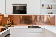 copper splashback altsch nhauser k che esszimmer. Black Bedroom Furniture Sets. Home Design Ideas