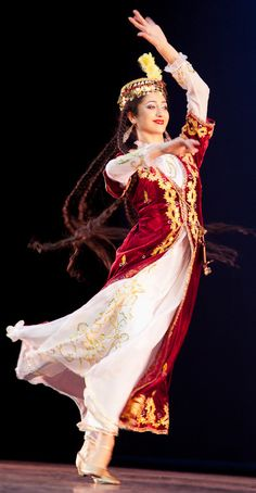 Persian dance.        Mariam-Khorezm1-lowrez-SharCosmeticCrop.jpg 459×884 pixels