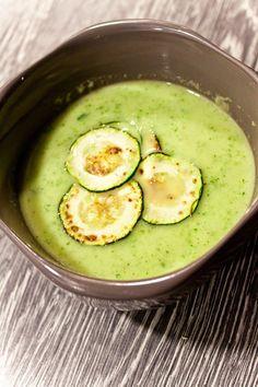 Obrázek Soup Recipes, Keto Recipes, Vegetarian Recipes, Cooking Recipes, Healthy Recipes, Look Body, Modern Food, Home Food, Avocado Egg