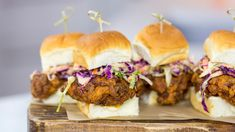 Spice up your Valentine's Day and get in the mood by making Jeff Mauro's hot, Southern fried chicken sandwich.