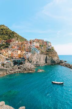 15 Things To Know About Visiting Cinque Terre In Italy - Hand Luggage Only - Travel, Food &. Travel Photography Tumblr, Photography Beach, Food Photography, Scenery Photography, Best Weekend Trips, Weekend Getaways, Europe Weekend Trips, Weekend Breaks Europe, Cinque Terre Italia