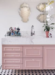 Perfect Pairs: Venetian Glass Mirrors & Pretty Pastels :: This Is Glamorous